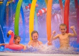 Забавления-за-деца-вътрешен-басейн